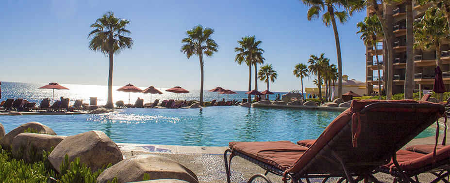 The Sonoran Sea Condominium Resort is a 208 unit gated complex on one of Puerto Penasco's most alluring, tranquil beaches with 3 beachfront swimming pools, an aqua bar and 2 beachfront jacuzzis. The resort's activity center provides complimentary use of beach towels, snorkel gear, tennis equipment, ocean kayaks, movies for[...]