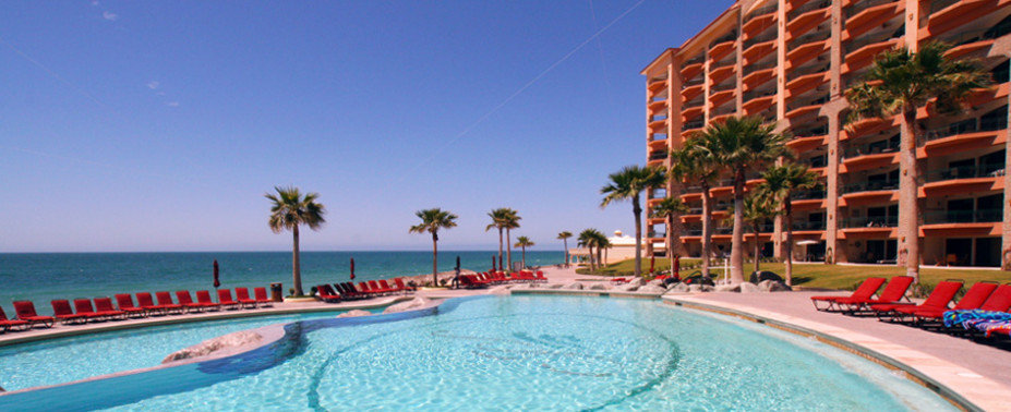 The Sonoran Sea Condominium Resort is a 208 unit gated complex on one of Puerto Penasco&#8217;s most alluring, tranquil beaches with 3 beachfront swimming pools, an aqua bar and 2 beachfront jacuzzis. The resort&#8217;s activity center provides complimentary use of beach towels, snorkel gear, tennis equipment, ocean kayaks, movies for[...]